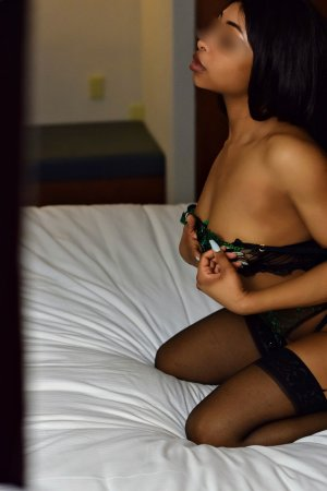 Selenya leather girls classified ads Kearny