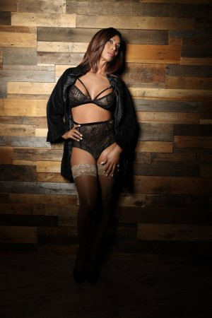 Ena leather girls personals Jefferson City MO