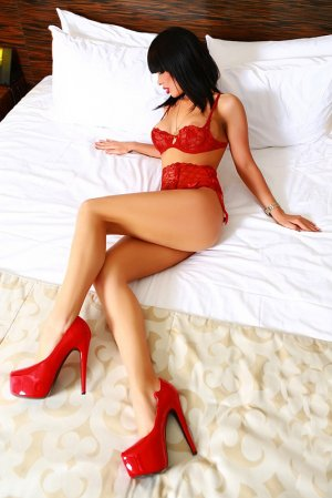 Solweig live escorts Clydebank, UK